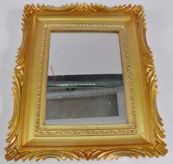Spiegel mit Rahmen in goldfarben ca. 33x27 cm