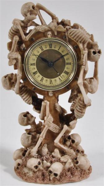 """Uhr """"Totenköpfe"""" BB ca. 15x12x27cm"""